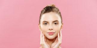 naturalna-kobieta-bez-makijażu-ze-zdrową-skórą-twarz